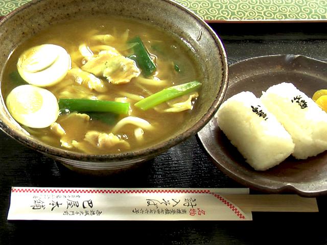 カレーうどん+おにぎり:1000円
