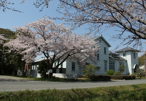 民俗資料館の桜