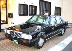 中型車(セドリック・クラウンコンフォート)
